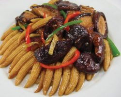 Shiitake mushrooms and young corn with oyster sauce