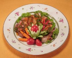 Spicy grilled pork salad
